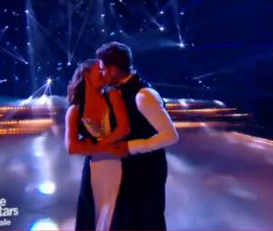 Danse avec les stars 5 : bisou de Rayane Bensetti et Denitsa Ikonomova