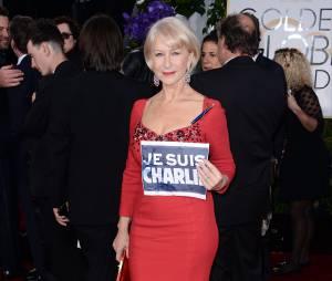 Helen Mirren : Je suis Charlie sur le tapis rouge des Golden Globes 2015, le 11 janvier 2015 à Los Angeles
