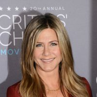 Jennifer Aniston décolletée, Marion Cotillard... Le tapis rouge des Critics' Choice Awards 2015