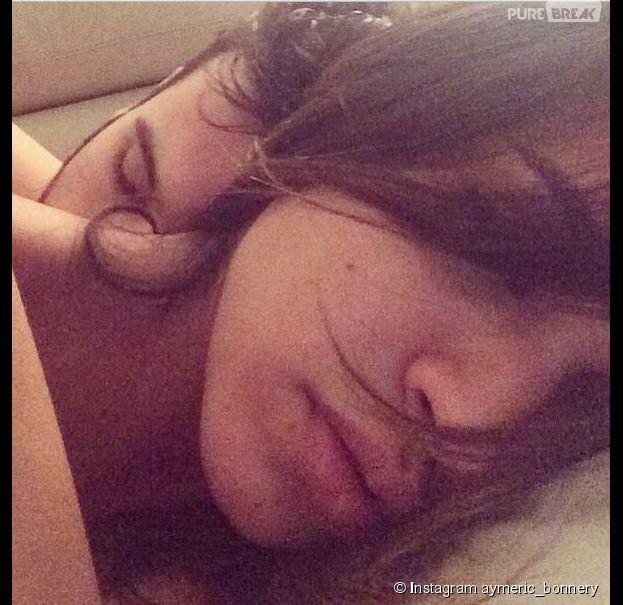 Leila Ben Khalifa : selfie au lit avec Aymeric Bonnery sur dévoilé sur Instagram, le 26 janvier 2015