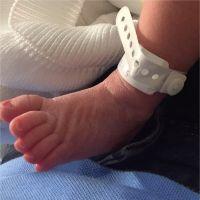 Shakira maman : 1ère photo de Sasha... pour se moquer de lui