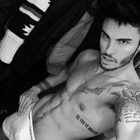 Baptiste Giabiconi : exhib sexy en boxer sur Instagram