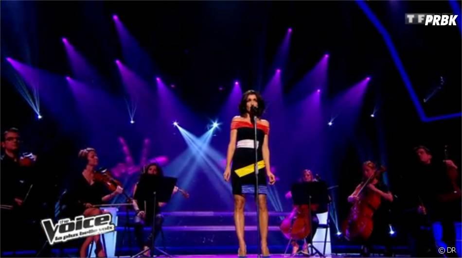 Jenifer en robe Christopher Kane pour les battlesde The Voice 3