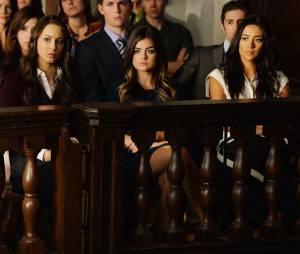 Pretty Little Liars saison 5, épisode 23 : photo de Spencer, Aria et Emily