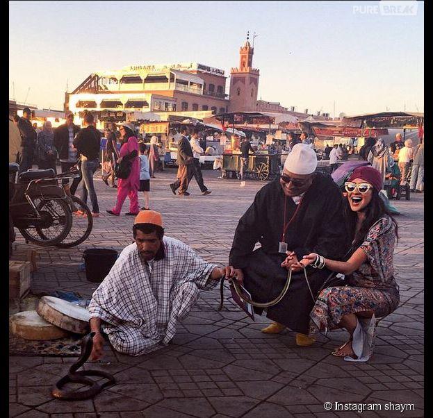 Shay Mitchel (Pretty Litlle Liars) charmeuse de serpents au Maroc