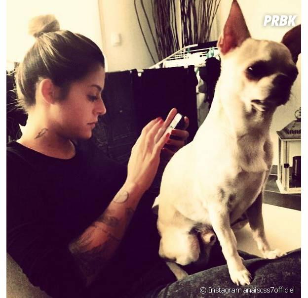 Anaïs Camizuli et son chien Gus