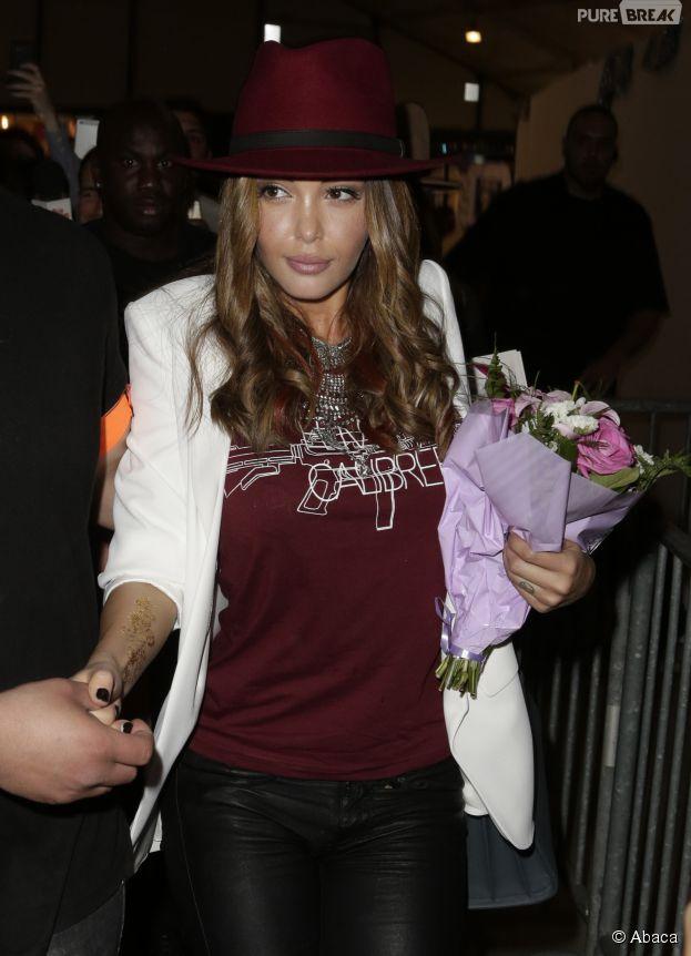 Nabilla Benattia signe son grand retour au salon What The F* le 24 avril 2015