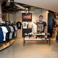 Cyprien Iov : rencontre avec ses fans pour l'ouverture de sa boutique éphémère chez Citadium