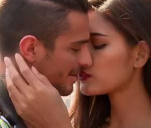 Julien (Les Marseillais en Thaîlande) embrasse un lady boy
