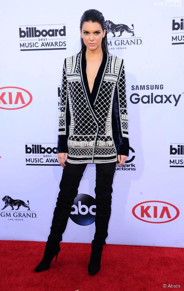 Kendall Jenner en Balmain x H&M sur le tapis rouge des Billboard Music Awards 2015, le 17 mai à Las Vegas