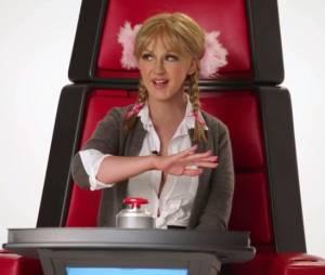 Christina Aguilera imite Shakira, Miley Cyrus ou encore Britney Spears dans une vidéo promo de The Voice US