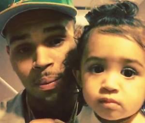 Chris Brown : selfie avec sa fille Royalty