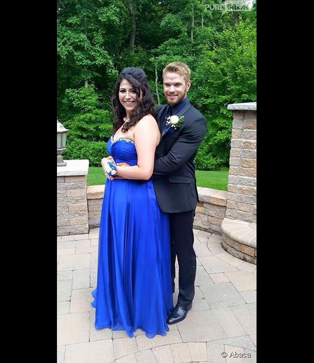 Kellan Lutz accompagne une lycéenne à un bal de promo en juin 2015