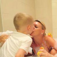 Amélie Neten : bisous avec son fils Hugo dans le bain de Jeremstar pour démentir les rumeurs