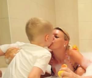 Amélie Neten : son fils Hugo s'invite lors de son interview dans le bain de Jeremstar