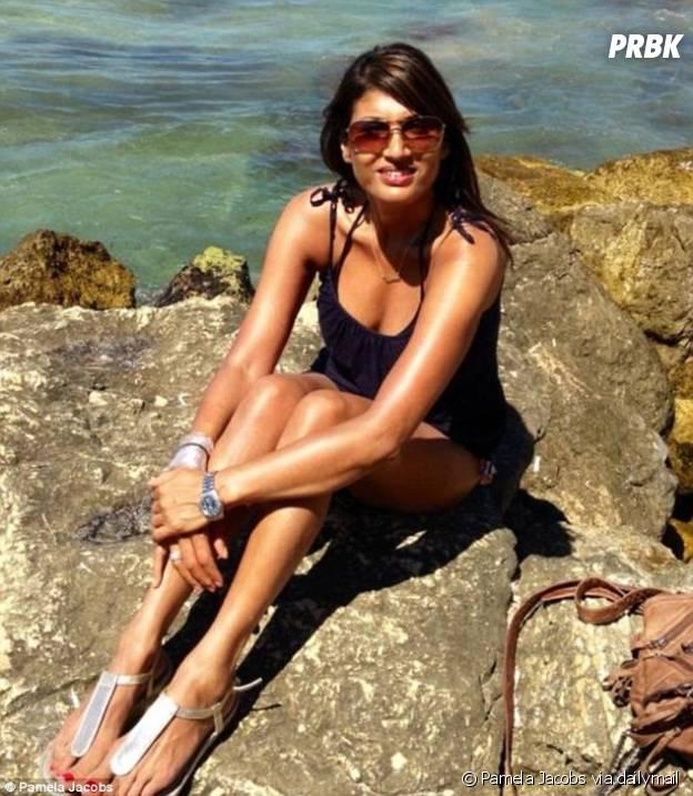 Pamela Jacobs à tomber à la plage