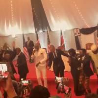 Barack Obama, roi du dancefloor : le Président US est prêt pour Danse avec les stars ! (VIDEO)