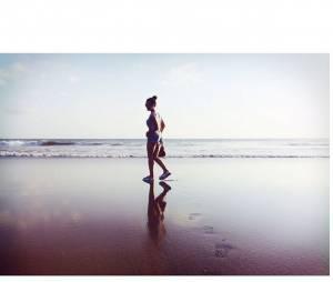 Maude sur une plage indonésienne, le 19 août 2015