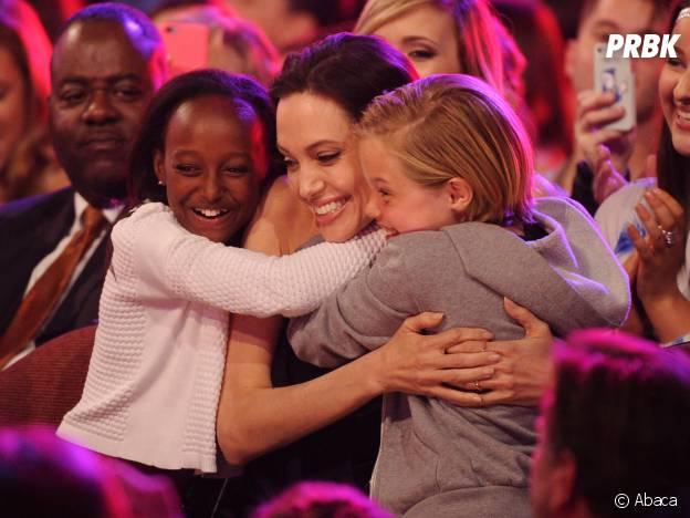Angelina Jolie et ses filles aux Kids Choice Awards 2015