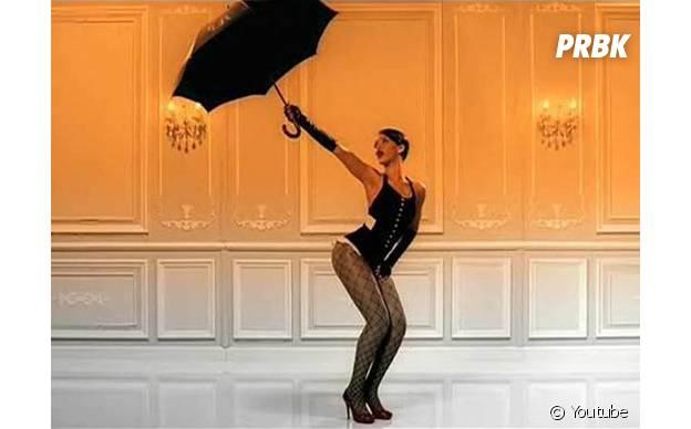 Rihanna sexy dans le clip d'Umbrella