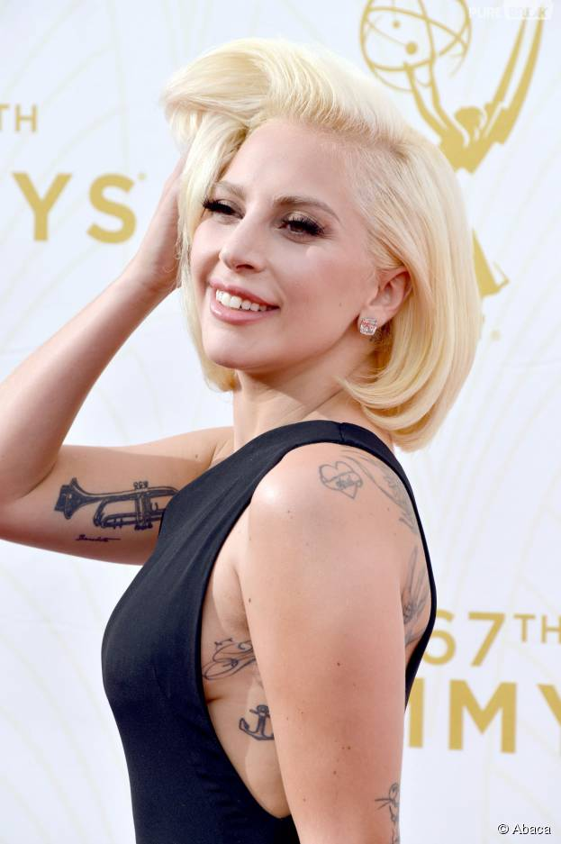 Lady Gaga sur le tapis rouge des Emmy Awards, le 20 septembre 2015