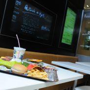 McDonald's teste la réservation de places... et le service à table