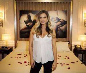 Clara Morgane classe et sexy pour le lancement de son calendrier 2016 sexy, au Majestic Hotel, le 24 septembre 2015