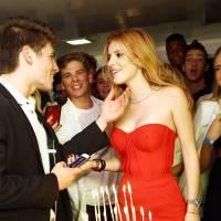 Bella Thorne sexy et amoureuse : Gregg Sulkin et tous ses amis réunis pour fêter ses 18 ans