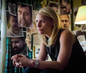 Homeland saison 5, épisode 3 : Claire Danes (Carrie) sur une photo