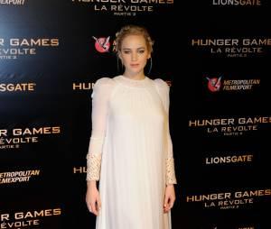 Jennifer Lawrence divine à l'avant-première de Hunger Games 4 à Paris le 9 novembre 2015