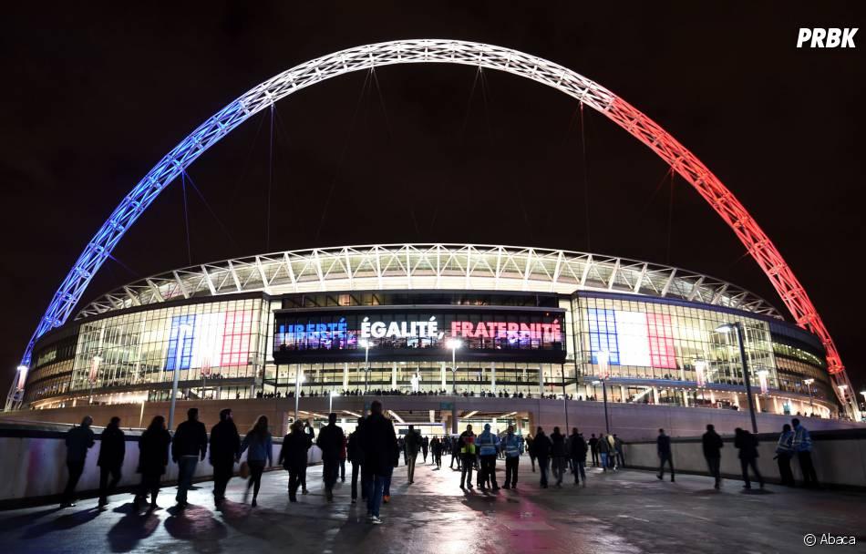 attentats paris hommage aux victimes le 17 novembre 2015 au stade de wembley londres. Black Bedroom Furniture Sets. Home Design Ideas