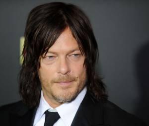 Norman Reedus (The Walking Dead) mordu par une fan en pleine convention