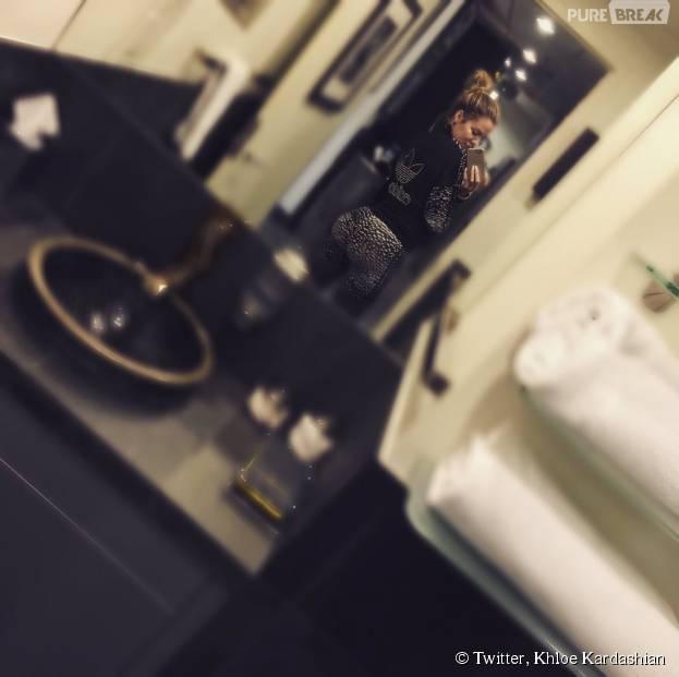 Khloe Kardashian : selfie de ses fesses dans les vestiaires de sa salle de sport, le 8 décembre 2015