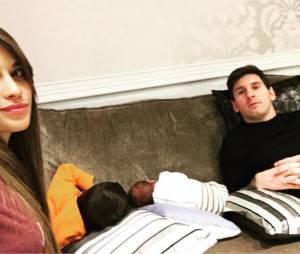 Lionel Messi et sa femme posent avec leurs fils Thiago et Mateo sur Instagram