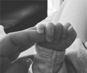 Lionel Messi : sa femme Antonella Roccuzzo dévoile une photo de leur fils Mateo après sa naissance