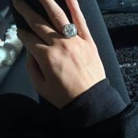 Kylie Jenner fiancée ? Sa réponse aux rumeurs après son incroyable cadeau de Noël