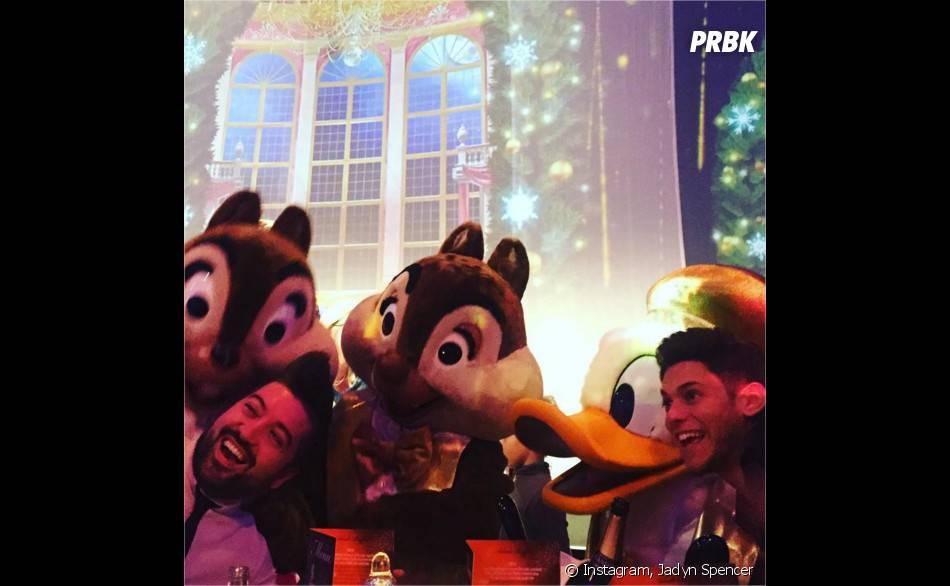 Chris Marquès et Rayane Bensetti à Disneyland Paris pour le réveillon du 31 décembre 2015