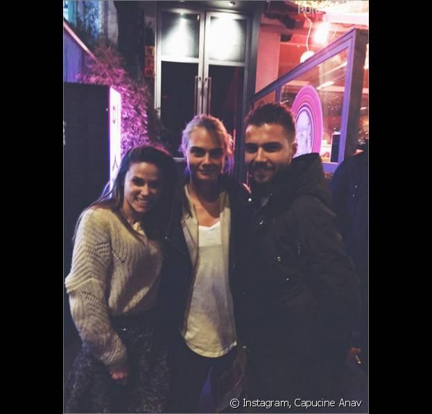 Capucine Anav et Antoni Ruiz posent avec Cara Delevingne à Paris le lundi 4 janvier 2016