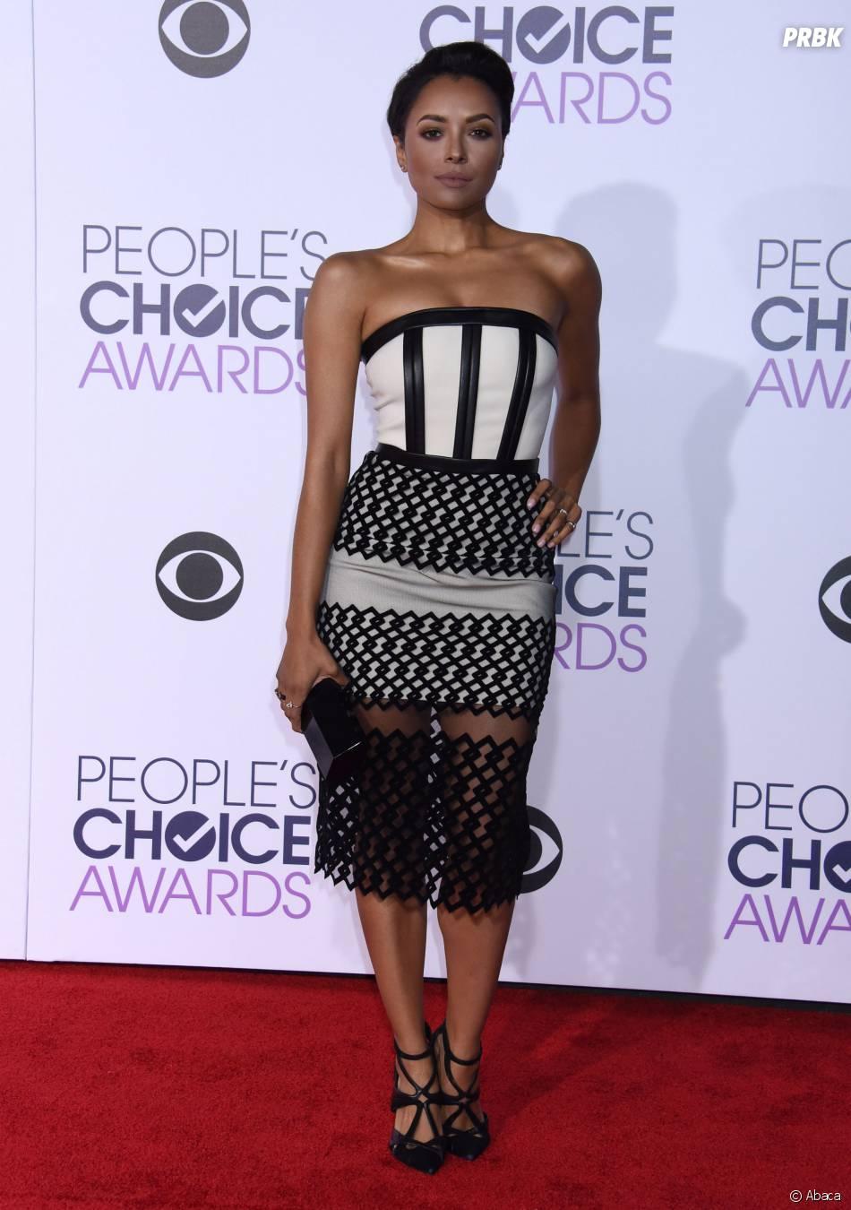 People's Choice Awards 2016 : Kat Graham sur le tapis rouge le 6 janvier