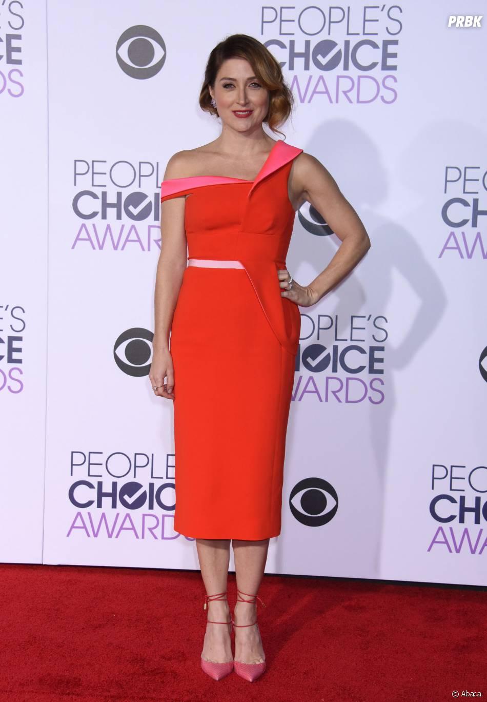 People's Choice Awards 2016 : Sasha Alexander sur le tapis rouge le 6 janvier