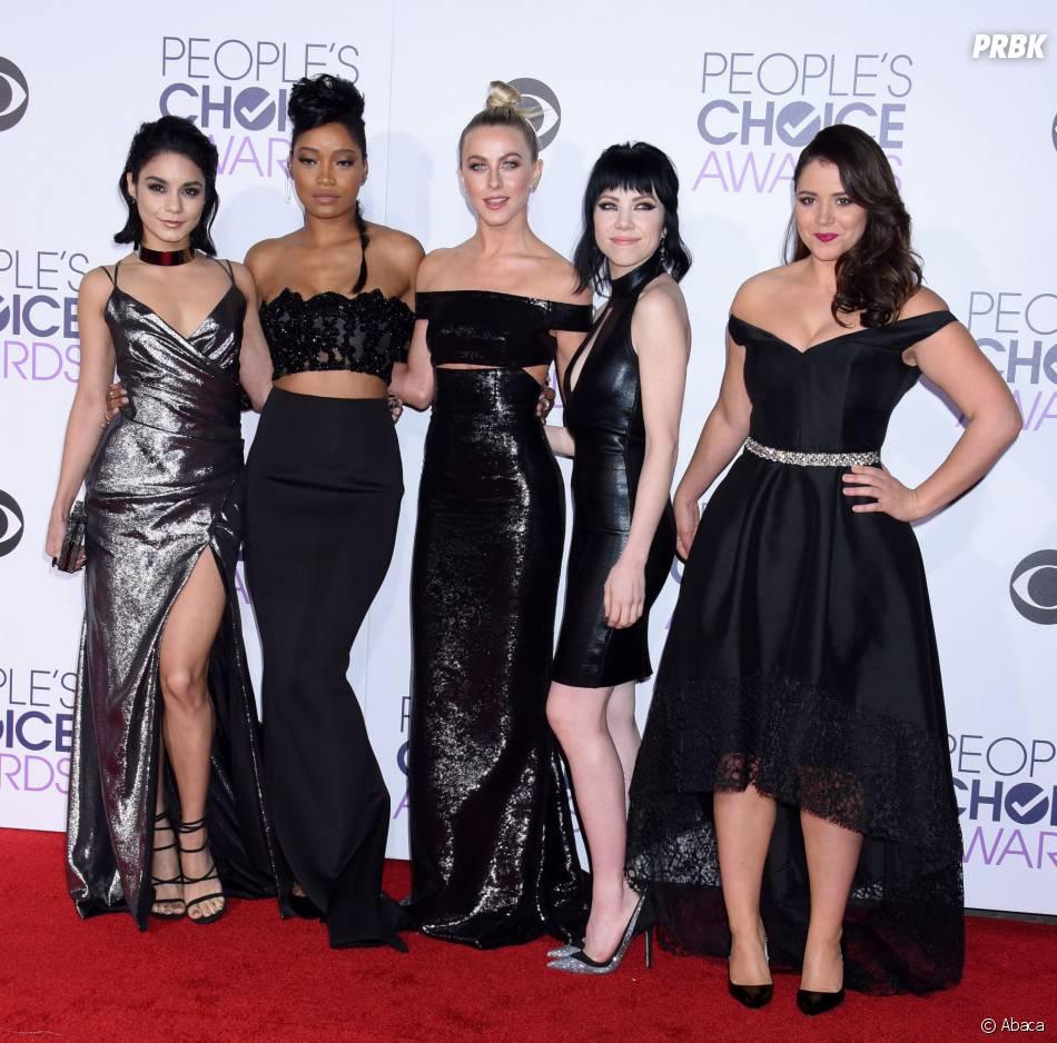 People's Choice Awards 2016 : une bande de filles sexy sur le tapis rouge le 6 janvier
