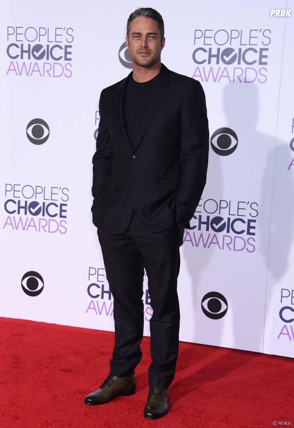 People's Choice Awards 2016 : Taylor Kinneysur le tapis rouge le 6 janvier