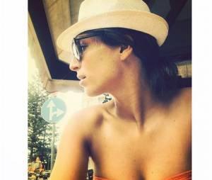 Laury Thilleman : décolleté pour ses vacances en Italie en 2014