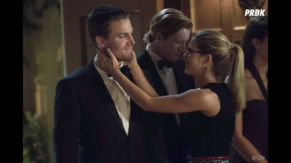 Arrow saison 2 : Felicity et Oliver en couple ?