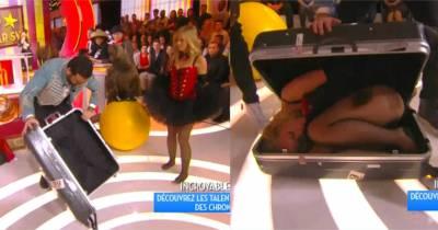 Enora Malagré en contorsionniste sexy : elle étonne Omar Sy et Roschdy Zem dans TPMP