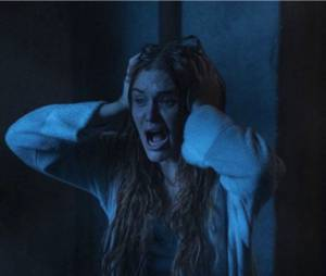 Teen Wolf saison 5 : Lydia (Holland Roden) sur une photo