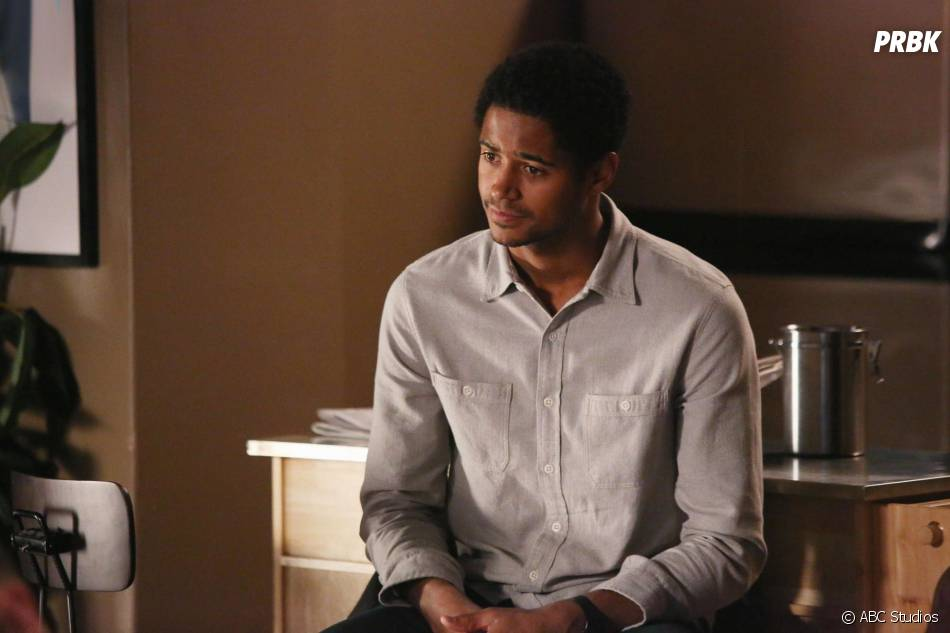 How To Get Away with Murder saison 2, épisode 10 : Wes (Alfred Enoch) sur une photo
