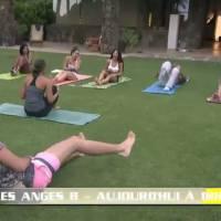 Ricardo (Les Anges 8) provoque un énorme fou-rire pendant un cours de yoga... et c'est pas glamour