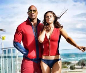 Alerte à Malibu : Alexandra Daddario décolletée et Dwayne Johnson sur le tournage du film à Miami