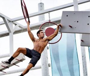 Alerte à Malibu : Zac Efron torse nu sur le tournage du film à Miami